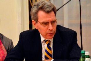 Посол США похвалил Беркут за неприменение силы в Святошинском районе
