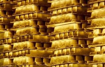 Цена золота близка к месячному максимуму