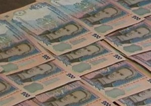 На Прикарпатье сельский председатель вымогал деньги, золотое кольцо и кожаную куртку