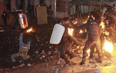 Один из сотрудников Беркута получил колото-резаное ранение - МВД
