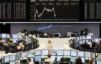 На бирже США фьючерсы на нефть вновь дешевеют