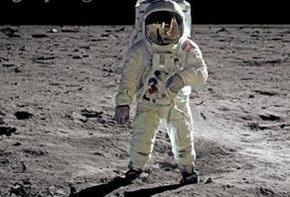 В интернете прозвучат голоса американцев, ступивших на Луну