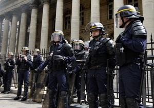 В полиции Марселя нашли вымогателей и наркоторговцев