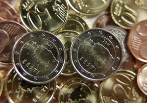 Евро на межбанке рухнул до минимума двух лет