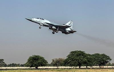 При авиаударе в Пакистане погибли 40 человек
