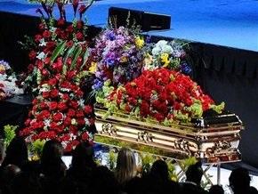 Майкл Джексон стал самой популярной персоной в Facebook
