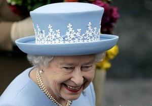 Визит Елизаветы II в Северную Ирландию спровоцировал беспорядки в центре Белфаста