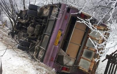В Ивано-Франковской области перевернулся автобус, пострадали пять человек