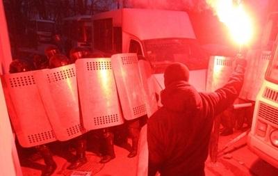 МВД требует от лидеров Евромайдана освободить двух милиционеров, которых удерживают в КГГА