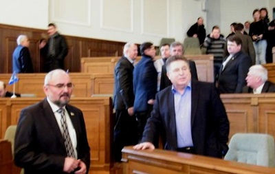 На Волыни депутаты облсовета признали Народную Раду, создали исполком и организовали отряд самообороны - Свобода