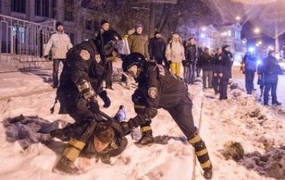 Противники Евромайдана в Харькове подрались с его сторонниками
