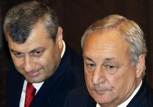 Грузия может объявить Кокойты и Багапша в международный розыск