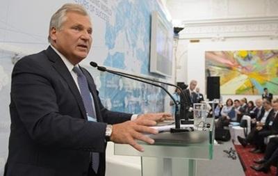 Квасьневский: ЕС должен быть готов помочь Украине финансово
