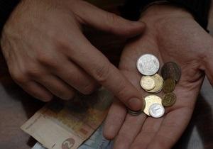 Гривна укрепилась на межбанке к доллару и к евро