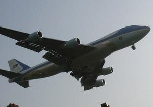 Самолет Обамы не смог приземлиться в Коннектикуте с первого раза