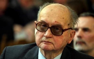 Супруга 90-летнего экс-президента Польши уличила его в измене и готовит развод
