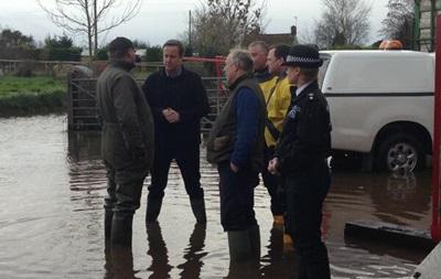На юго-западе Британии введен  оранжевый  уровень угрозы из-за наводнения
