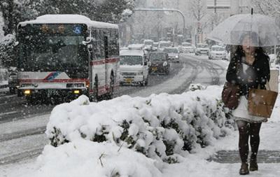 Сильный снегопад в Японии: пострадали 89 человек, более 610 внутренних рейсов отменены