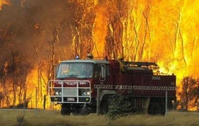 В Австралии продолжаются масштабные пожары, сгорели не менее 20 домов
