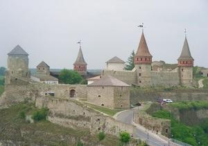 В результате сильного ветра рухнула одна из башен Каменец-Подольской крепости