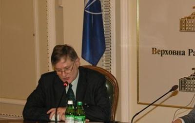 НАТО призвало украинских политиков сделать выбор  в пользу будущего