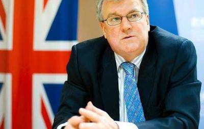 Великобритания обещает принять  резкие меры , если выход из кризиса в Украине не будет найден – посол