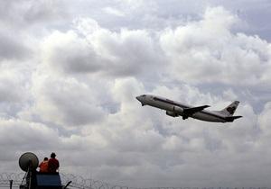 В Румынии самолет совершил экстренную посадку из-за сообщения о бомбе