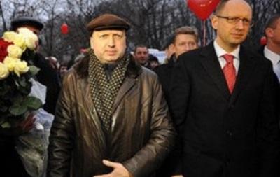 Яценюк и Турчинов 12 февраля навестят Тимошенко
