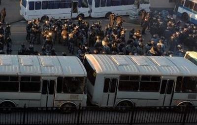 Активисты повредили два милицейских автомобиля в Киеве – МВД