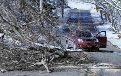 Зимний шторм, накрывший северо-восток США, движется на Канаду