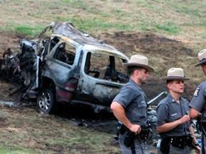 В США семейный фургон столкнулся с внедорожником: среди жертв - четверо детей