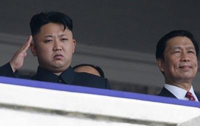 Ким Чен Ун почтил память отца в годовщину его рождения