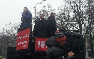 Неизвестный  заминировал  здание телеканала в Днепропетровске перед выступлением Кличко – УДАР