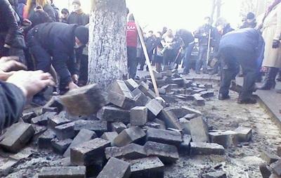 Беспорядки в Киеве начались с улицы садовой