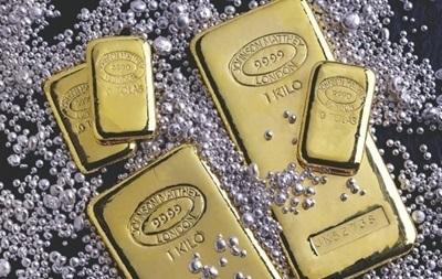 Золото и серебро немного прибавили в росте, платина снижается