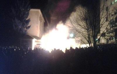 Здание Львовской ОГА снова захватили митингующие