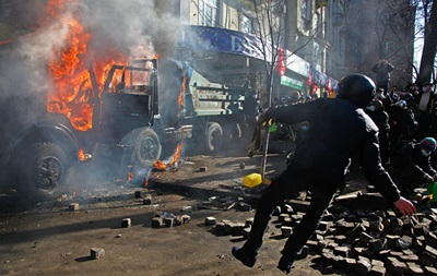 До девяти выросло количество погибших милиционеров - МВД