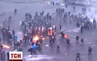 Появилось видео вытеснения силовиков с Европайской площади