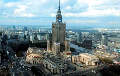 Варшава будет ежедневно освещать самый высокий дом в Польше цветами украинского флага