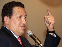 Чавес начал войну с английскими словами