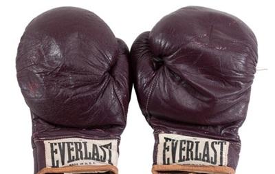 Перчатки Мохаммеда Али проданы за $836 тысяч