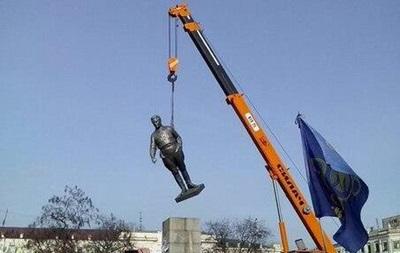 В Кировограде демонтируют памятник Сергею Кирову