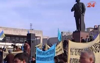 Крымские татары хотят перенести Ленина и построить в Симферополе фонтан