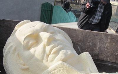 На Львовщине снесли памятник Кутузову