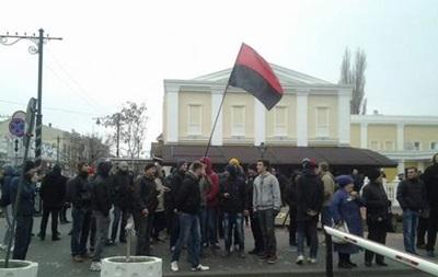 Лидеры крымских татар и Русского единства осудили столкновения у здания парламента Крыма