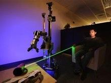 Ученые научились управлять роботом с помощью указки