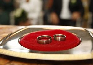 Житель острова Тайвань женился на божественном существе