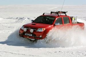 Toyota Hilux стал первым автомобилем в мире, доехавшим своим ходом до Северного полюса!