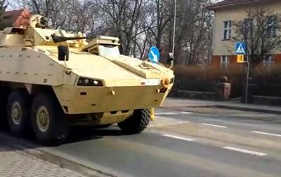 Польша подтягивает военную технику к восточным границам - СМИ