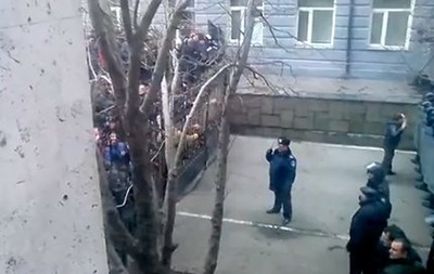 Захват Донецкой ОГА пророссийскими силами. Подборка видео